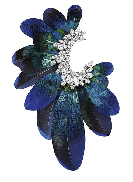 1729414_5_5e2c_la-broche-ultimate-adornment_a0249e76de1b0a0e5ba6599faaac2c89