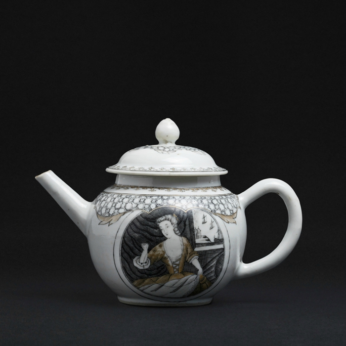 'Embroideress' Teapot,China, Qianlong period