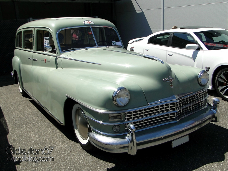 chrysler-new-yorker-ambulance-1948-01