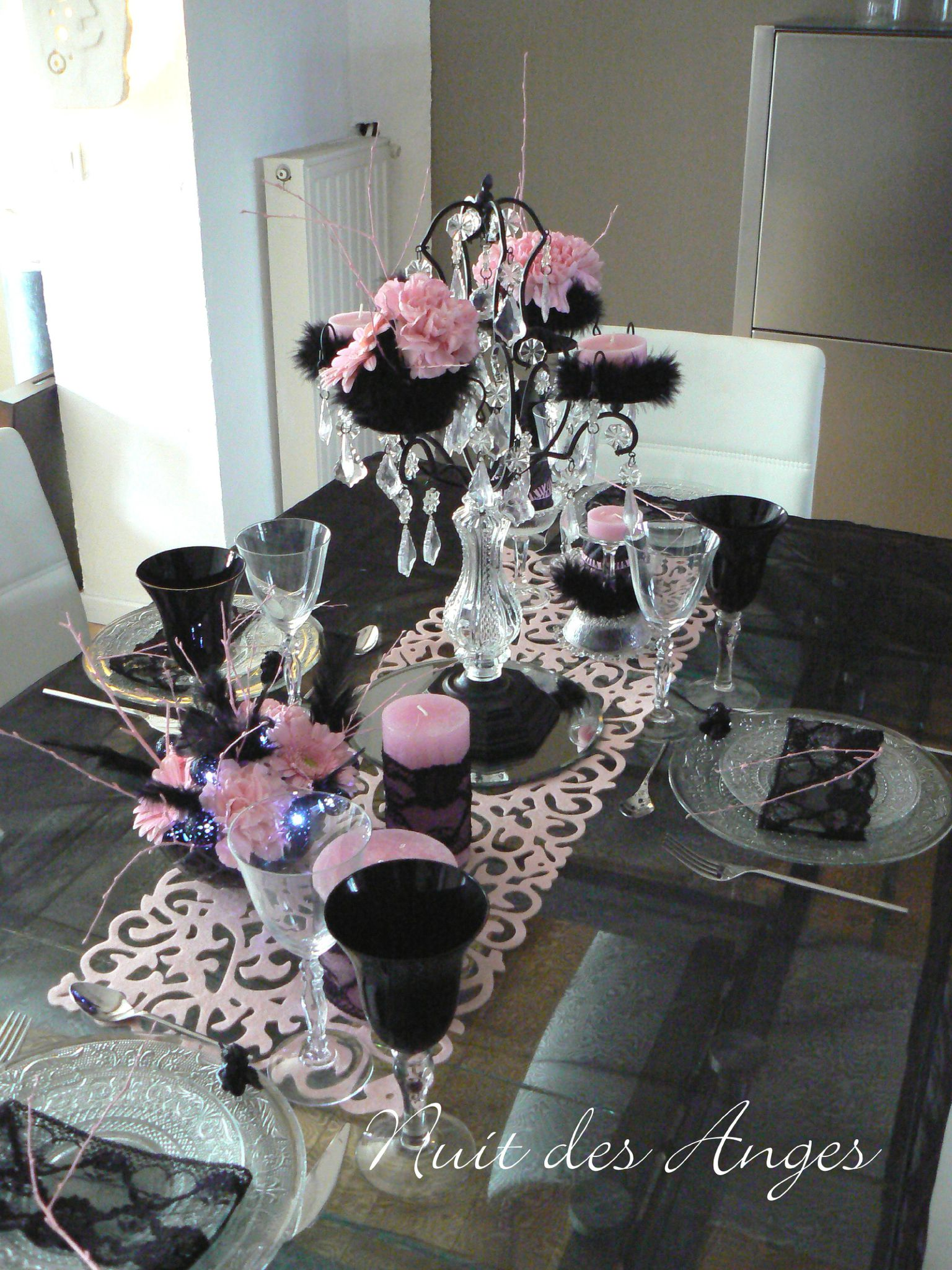 d coration de table noir et rose boudoir nuit des anges. Black Bedroom Furniture Sets. Home Design Ideas