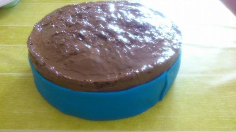 gâteau pate a sucre bleue