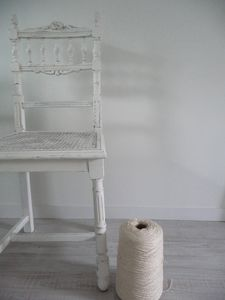 white_chair_and_thread
