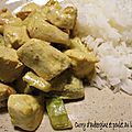 Curry d'aubergine et poulet au lait de coco