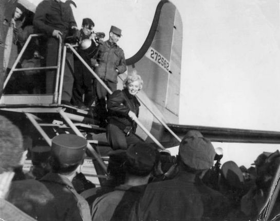 1954-02-korea-army_jacket-plane-arrive-013-1