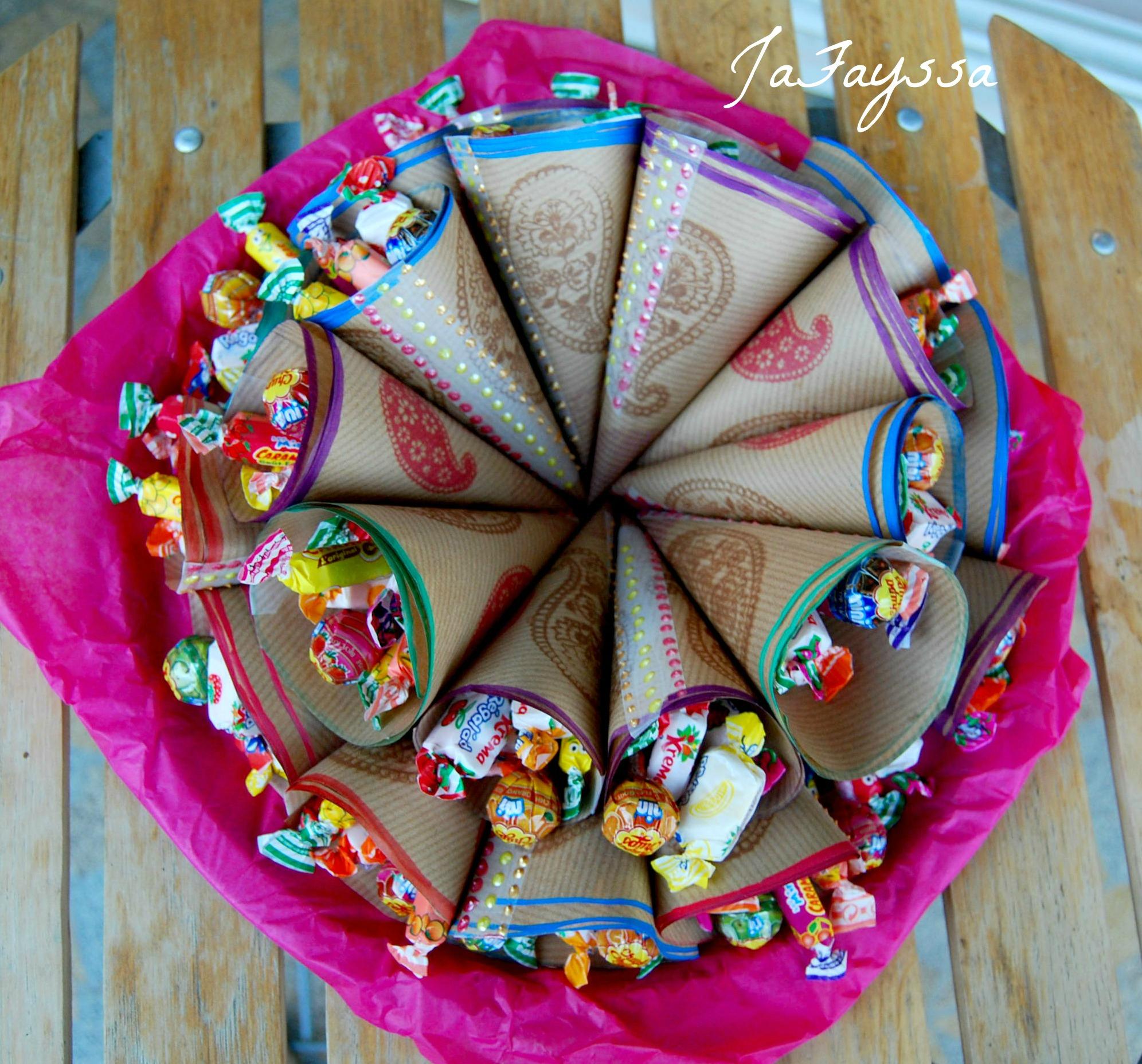 Faire Des Sacs Pour Bonbons : R?aliser un cornet de gourmandises jafayssa