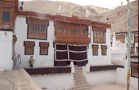 stock_gompa