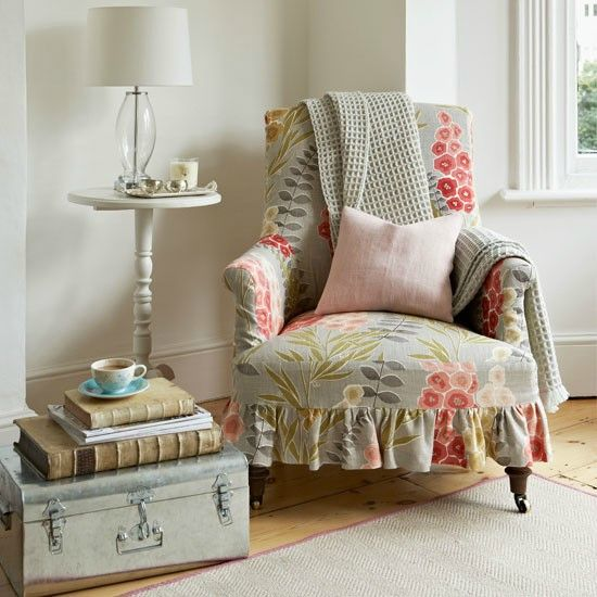 5-Loose-cover-armchair-in-living-room--Country-Homes-and-Interiors--Housetohome