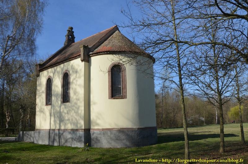 25/08/14 : Une chapelle au milieu des prés