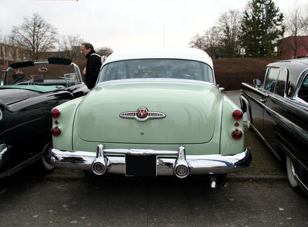Buick_super_riviera_4door_sedan_de_1953__23_me_Salon_Champenois_du_v_hicule_de_collection__02