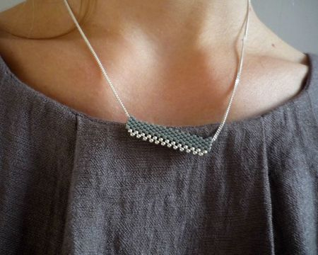 Collier230grisveaaD