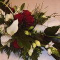Centre de table rouge-blanc arums 2