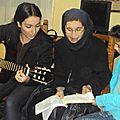 Hna Blandine cantando con tía Pilar y Elsa