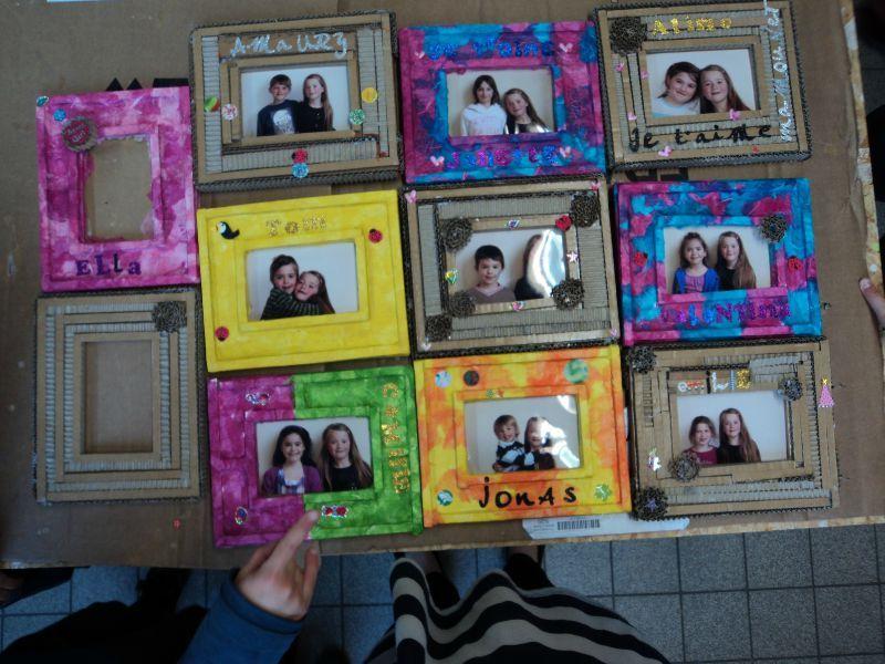Bien-aimé cadre en carton pour l'anniversaire d'Ella - le show du carton OZ92