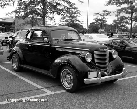 Chrysler royale coupé de 1938 (Rencard Burger King juin 2012) 08