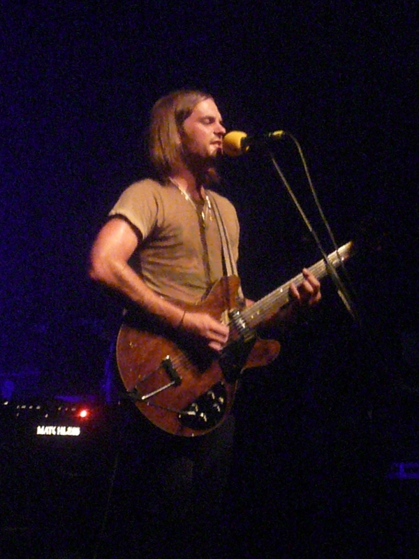 2007 06 Kings of Leon Bataclan 044