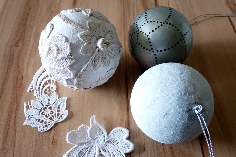 Customiser une boule de noel en polystyrene patouille 6mains - Boule de noel a fabriquer en polystyrene ...