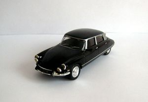Citroen DS 19 pallas de 1965 de chez Hachette collection 01