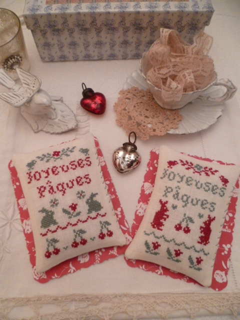 NEW N°18 : SET of TWO pillows Joyeuses Pâques 2 Rabbits and 3 cherries + Joyeuses Pâques 2 Rabbits and 3 Flowers
