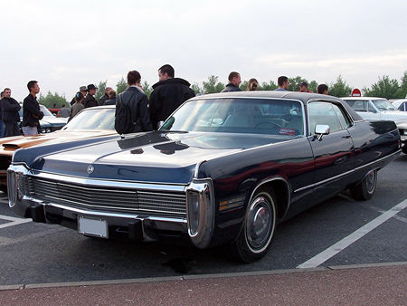 73_IMPERIAL_Le_Baron_Hardtop_Coupe_2