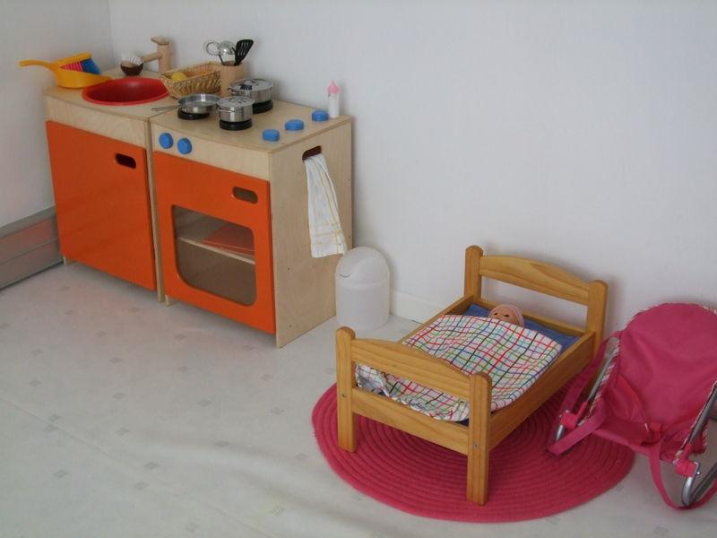 la ferme et le garage photo de les jeux symboliques atelier d 39 eveil montessori. Black Bedroom Furniture Sets. Home Design Ideas