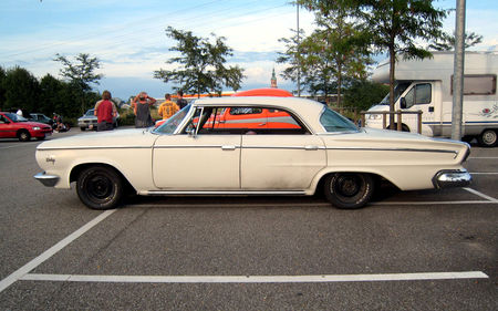 Dodge_880_custom_hardtop_sedan_de_1963__Rencard_Burger_King_Offenbourg__03