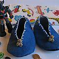 Chaussons bleus pour une petit thiago, boutons: le roi des boutons, goldorak collection personnelle.