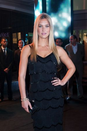 Bar_Refaeli___Hot_in_Black_Dress_at_The_Opening_of_Morocco_Mall_04_560x840