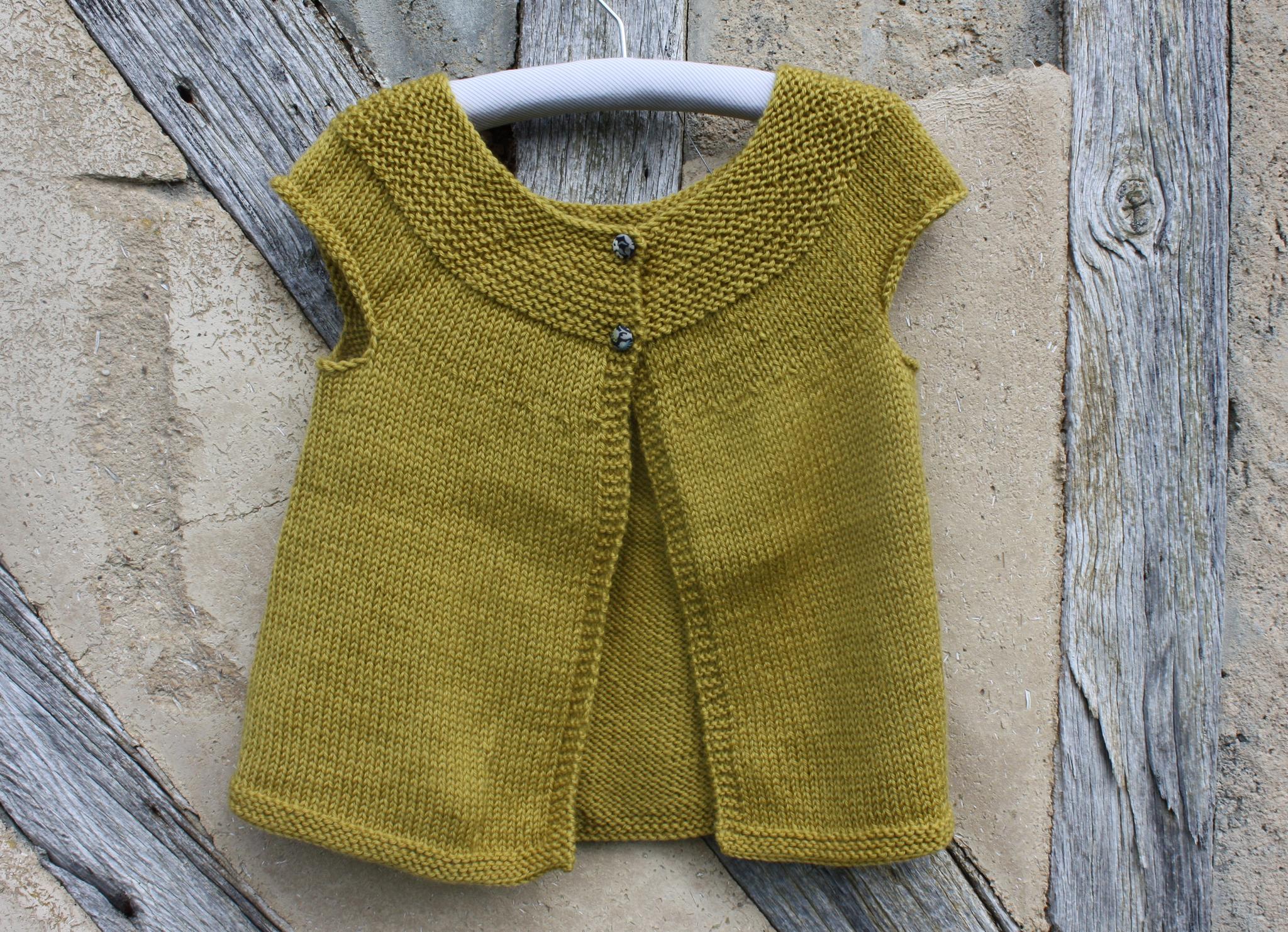 Cardigan sans manche à encolure arrondie - je tricote Citronille 46a48e9b061