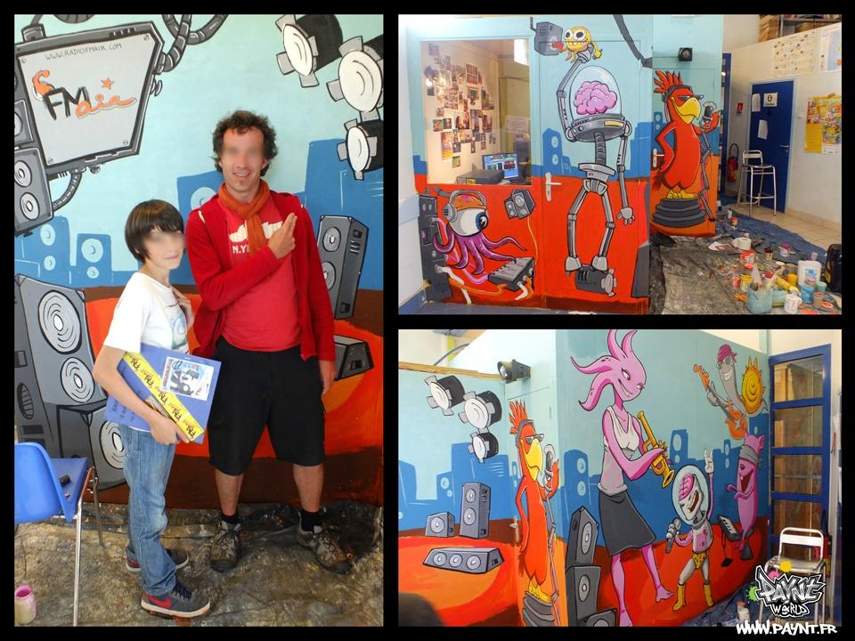 Initiation_stage_peinture_acrylique_pinceau_rouleaux_luc_mer_calvados_france_fresque_murale_fresco_painting_children_robot_futur_sf_monstre_monster_rock_music_radio_fmr_4_web