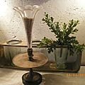p'tit vase tulipe sur pied marbre noir ancien 010