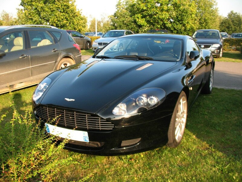 AstonMartinDB9av