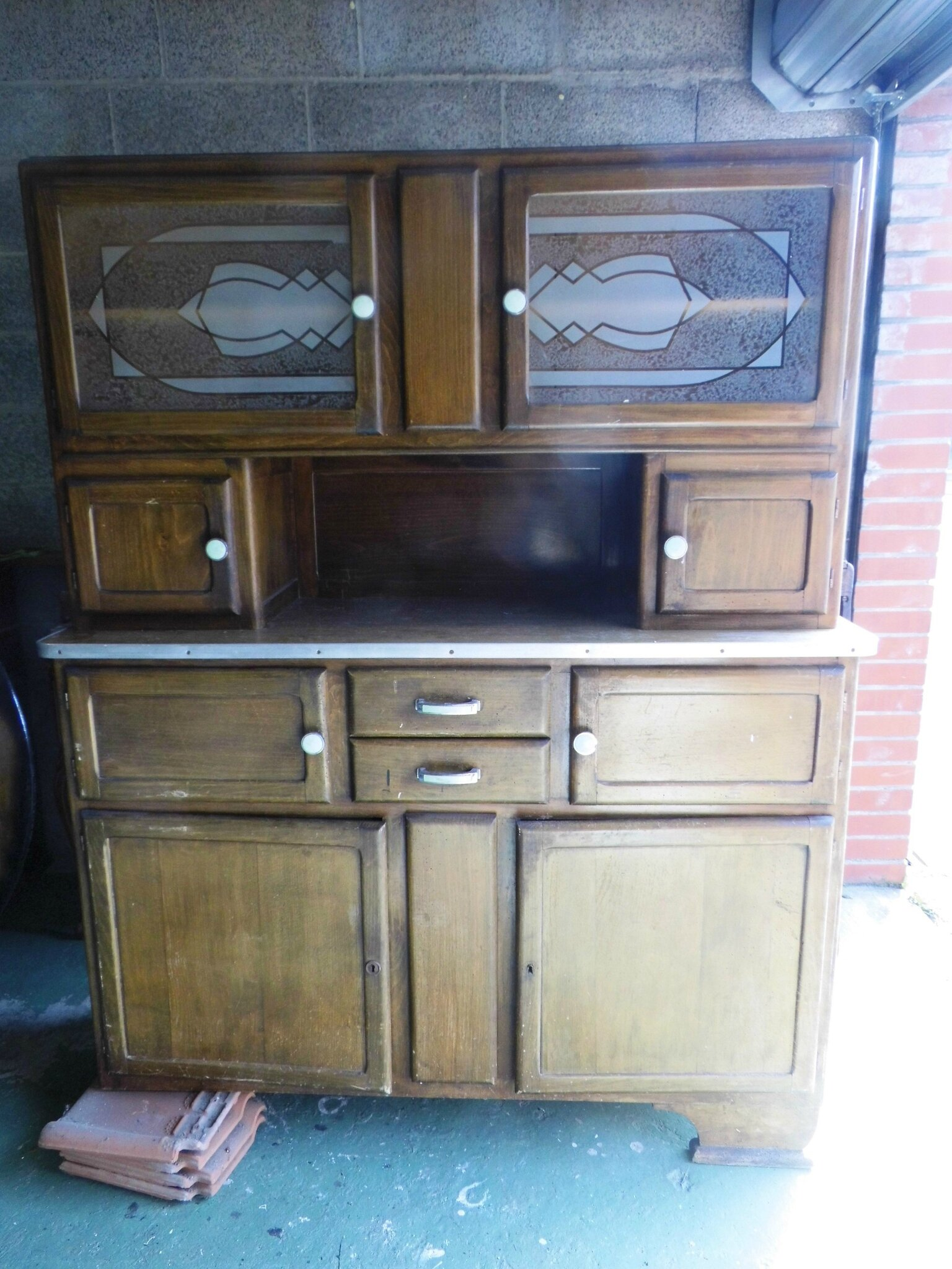prendre un buffet vintage en auto stop ma bulle. Black Bedroom Furniture Sets. Home Design Ideas