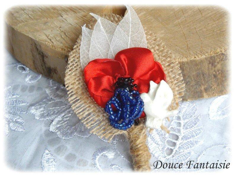 Boutonnière champêtre coquelicot, colombe, jute et bleuet broche mariage