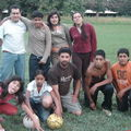Un equipo de football con el tío Beto, la tía Eli y el tío Cristián