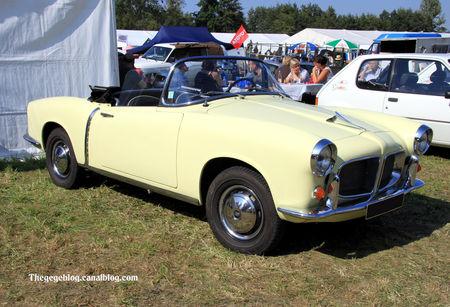 Fiat_1200_cabriolet_pininfarina_de_1958__30__me_Bourse_d__changes_de_Lipsheim__01