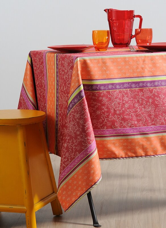 Avetto_rouge_nappe