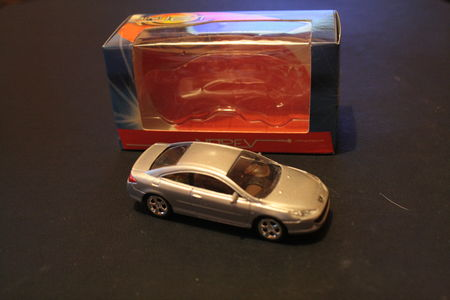 Peugeot_407_Coup__02