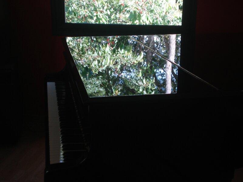 Et des cerises sur le piano !