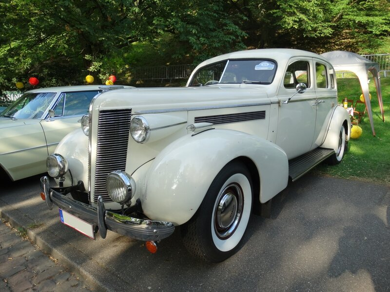 BUICK Series 40 4door Sedan 1937 Baden Baden (1)