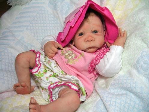 LORI_NICOLLS_Lola_Baby_Chimp_Lori_Nicolls