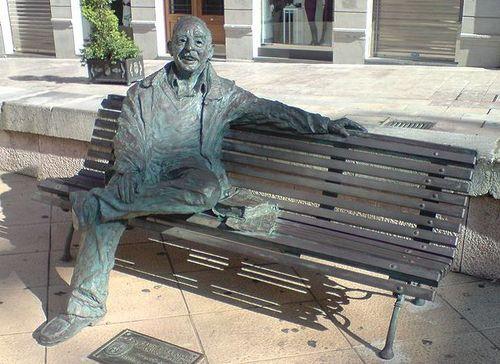 Oviedo-statue bronze Luis Riera