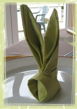 table paques vert et beige 11