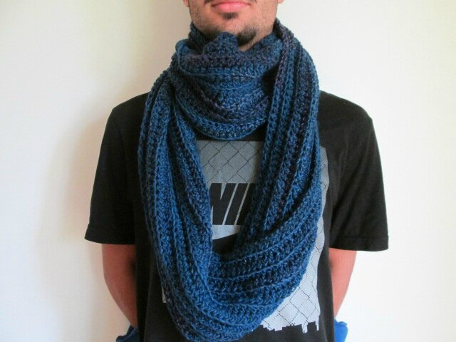 Snood Mr Mars (4)