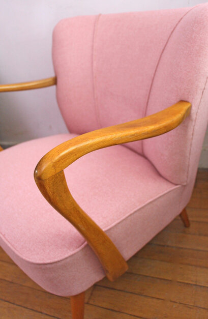fauteuil-cocktail-annees-50-pink-accoudoirs