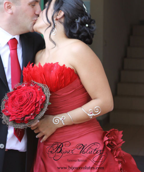 may_bouquet_rouge_mariage_bracelet