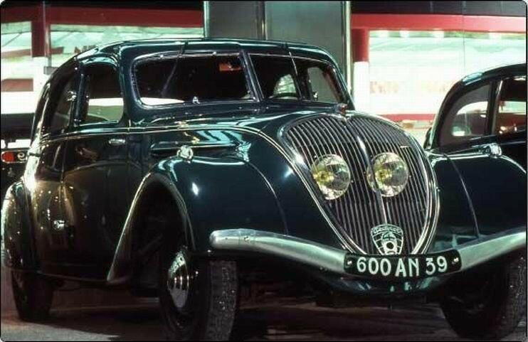 1939 - Peugeot 402