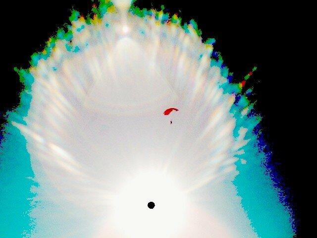 parachute_rouge