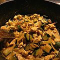 Curry rapide de poulet aux courgettes