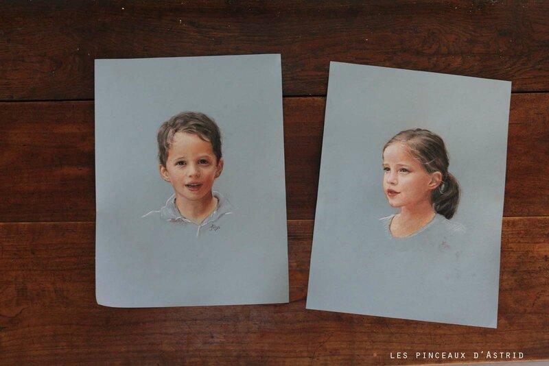 portraits enfanst frère soeur pastel fond bleu