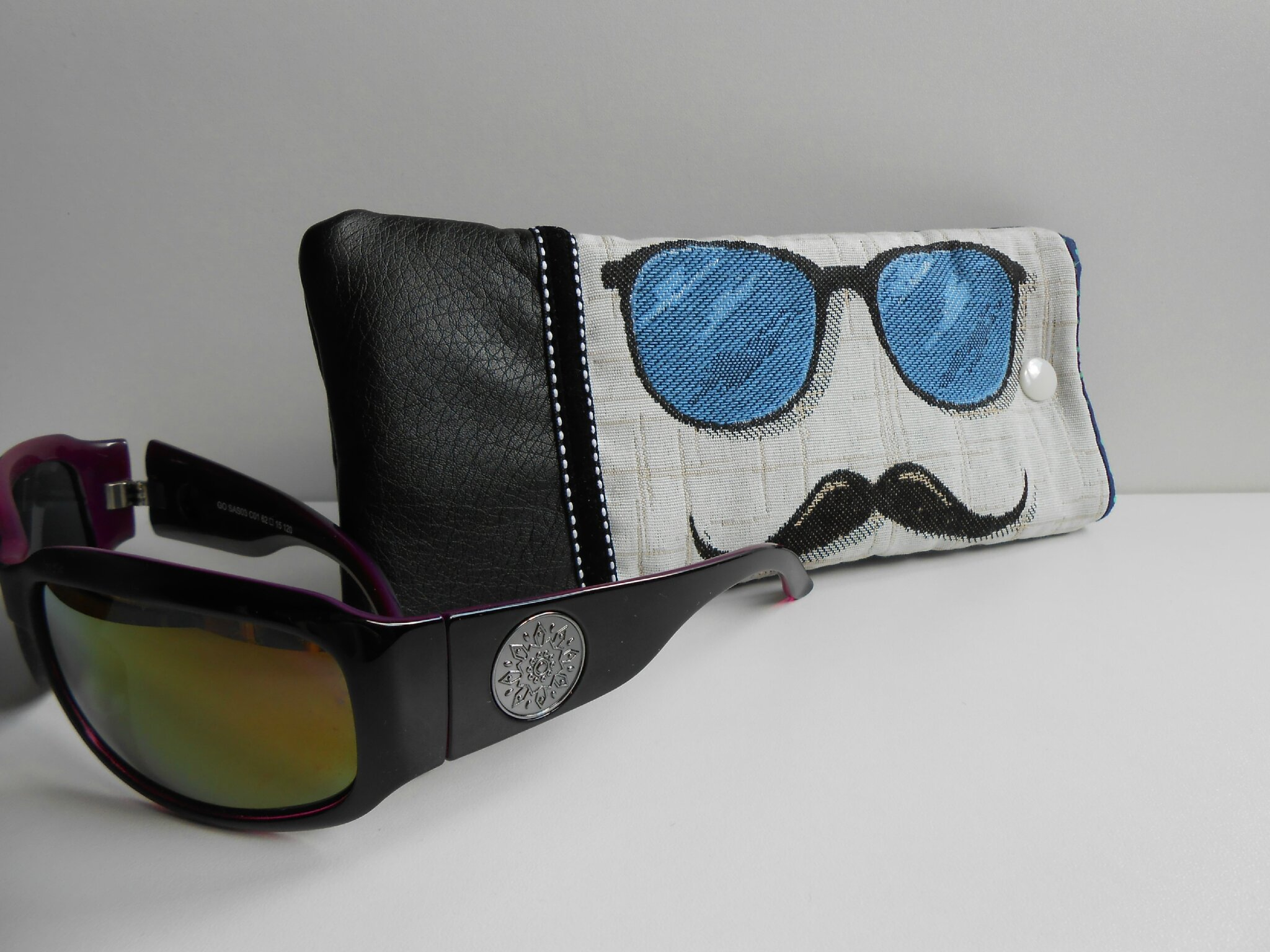 Modèle 6 -Etui lunettes bleu
